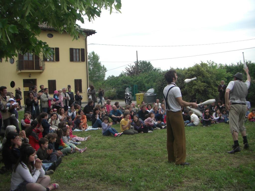 http://www.stuard.it/wp-content/uploads/Teatro-necessario-2010.jpg